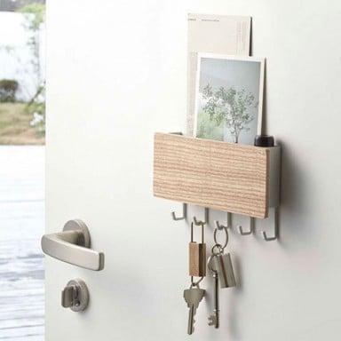 Colgador de llaves madera clara